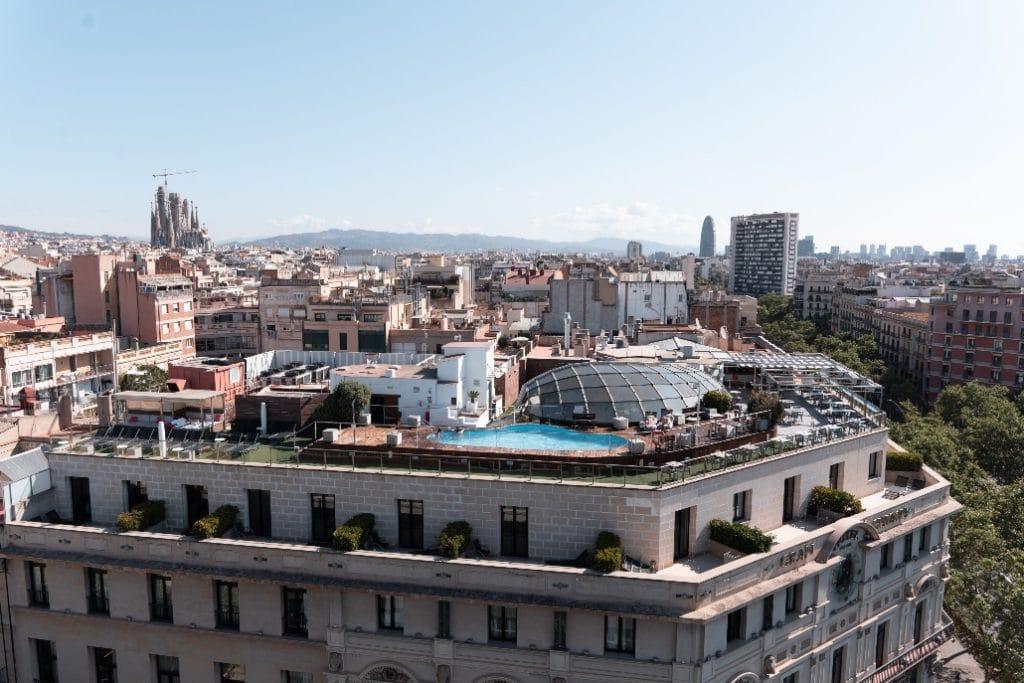 5 terrazas donde disfrutar de un afterwork ¡con cóctel incluido!