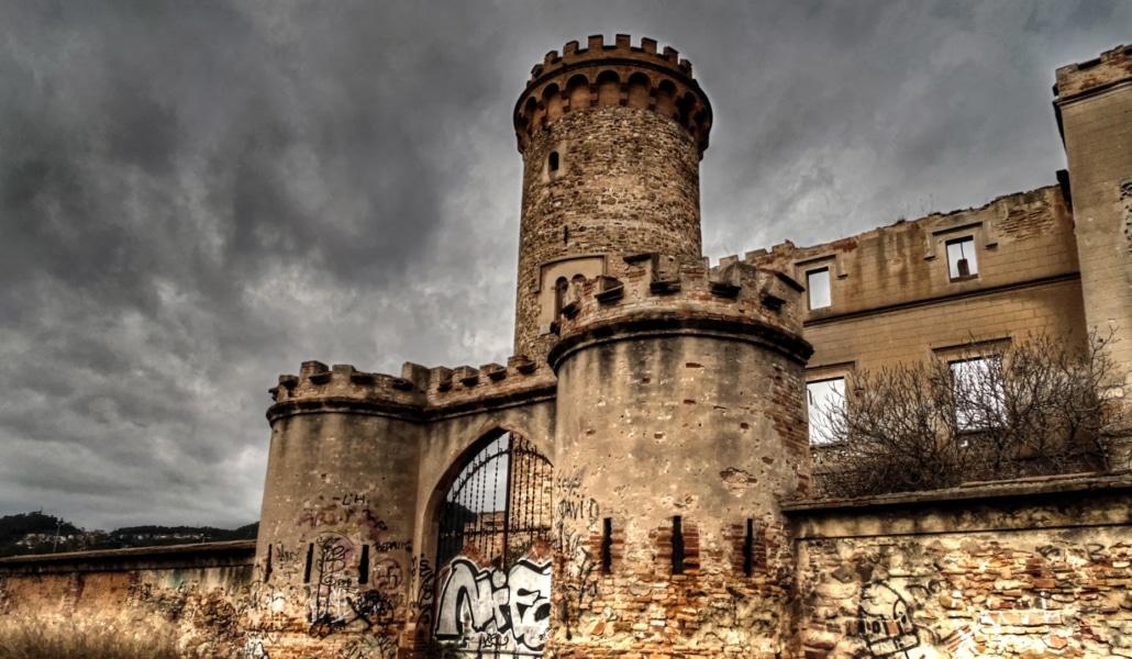 Castillo Torre Salvana: psicofonías y presencias fantasmales al lado ...