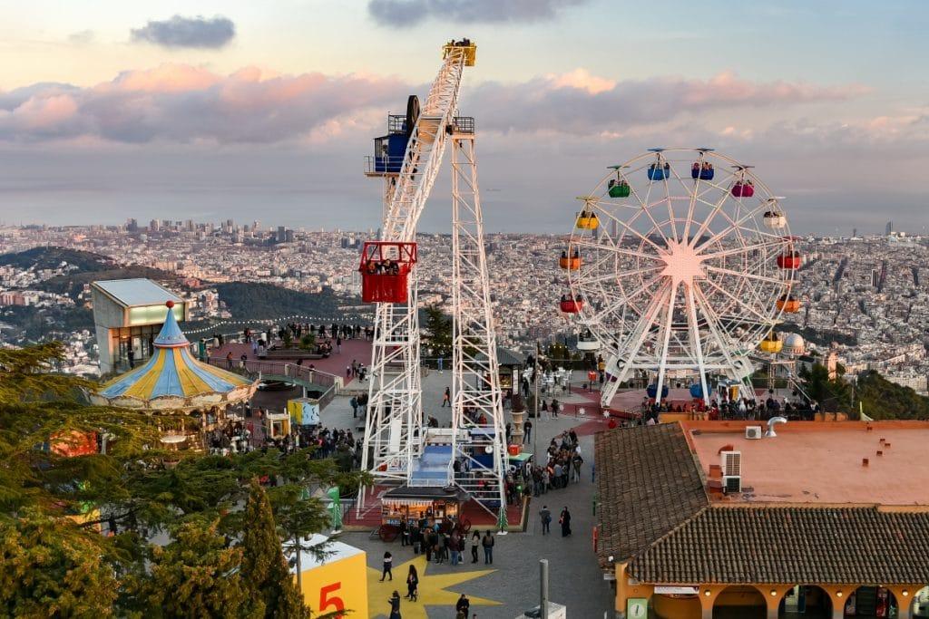 El Tibidabo prepara un espectáculo láser para celebrar sus 120 años