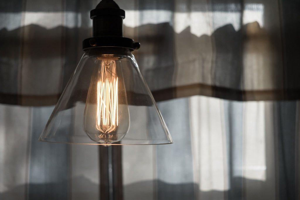 El precio de la luz bate hoy un nuevo récord histórico: 124,45 euros/MWh