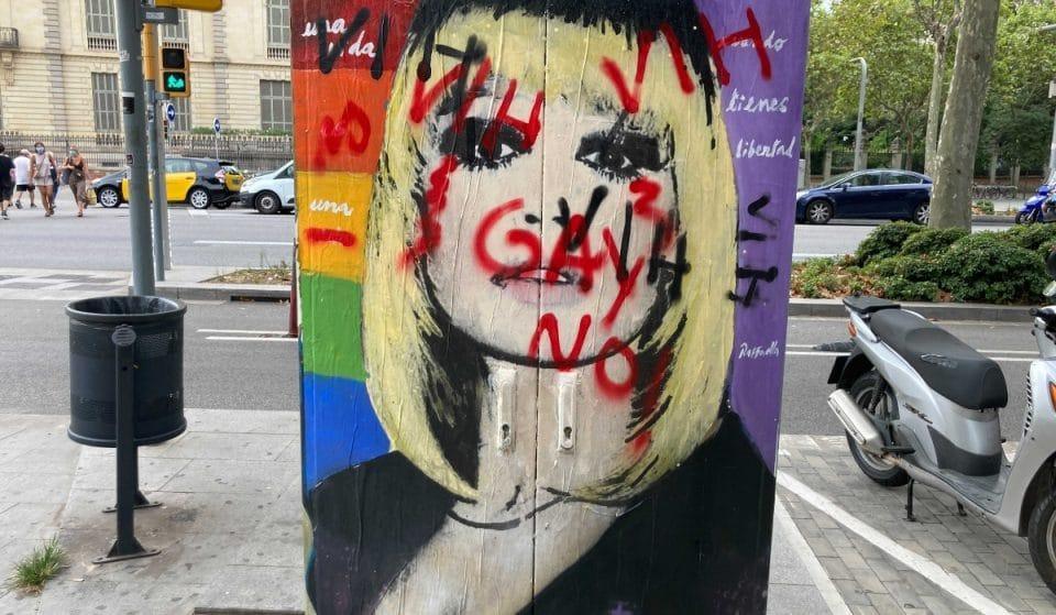 El mural en homenaje a Raffaella Carrà vandalizado este domingo con pintadas homófobas